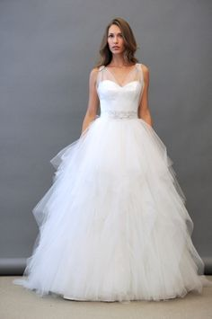 i LOVE LOVE LOVE this dress!!!!!!!  I personally belive that this dress would look beautiful on the beach.!!