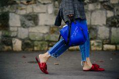 After Loewe | Paris via Le 21ème Cool Style, My Style, Street Style, Ootd, Paris Street, Loewe, Catwalk, Capri Pants, Fall Winter
