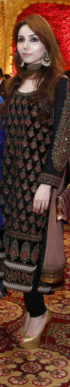 THIS WEEKS BEST DRESSED: 15th March...Sabyasachi outfit