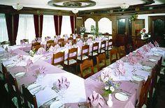 Speisesaal im Hotel Central Wallis Agarn. Ideal für Gruppen Vereine Bankett.