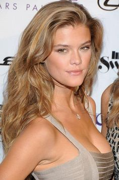 Dust on some bronzer and go for shimmery beige eyeshadow like Nina Agdal.