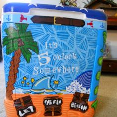 Love the pattern in the background Fraternity Crafts, Fraternity Coolers, Frat Coolers, Sorority Paddles, Sorority Crafts, Cooler Painting, Diy Painting, Cooler Designs, Artist Loft