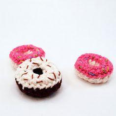 Free Amigurumi Crochet Pattern: Mini Donuts