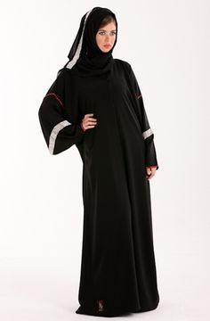 Abaya noire Plus de modèles sur http://www.photohijab.com