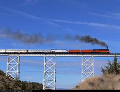 Net Photo: SP 4449 Southern Pacific Railroad Steam at Madras, Oregon by Steve Carter Station To Station, Train Station, Railroad Bridge, Railroad Tracks, Madras Oregon, Old Steam Train, Union Pacific Railroad, Portland, Old Trains