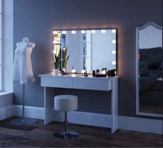 White Large Dressing Table with Mirror and LED Lights Dressing Table LED Lighting Mirror Hollywood C Dressing Table With Mirror And Lights, Dressing Room Mirror, Dressing Room Decor, Bedroom Dressing Table, Dressing Table Vanity, Dressing Table With Stool, Dressing Room Design, Desk With Mirror, Bedroom Decor