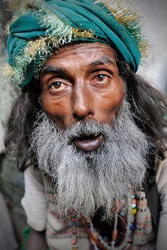 Fakir    Ajmer, India Beautiful World, Beautiful People, India People, Portraits, Body Shots, Beard Tattoo, Guy Drawing, Male Figure, Historical Pictures