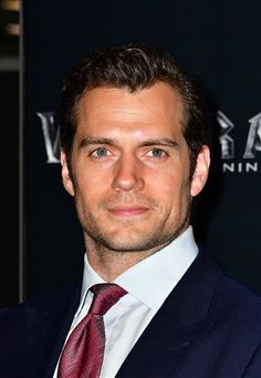 Henry Cavill News: Henry Attends London Premiere Of 'Warcraft: The Beginning'