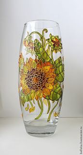 61 Ideas For Flowers Design Painting Wine Glass Bottle Painting, Bottle Art, Bottle Crafts, Painted Glass Vases, Painted Wine Glasses, Stained Glass Paint, Stained Glass Patterns, Glass Painting Designs, Acrylic Painting Flowers
