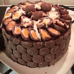 """CREME EGG CAKE Tag your friends"""