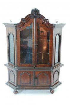 Miniature Moravian Cupboard : Lot 143