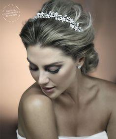 Casamento e Beleza Noiva - Penteado com Tiara (Beleza: Jr Mendes | Foto: Drausio Tuzzolo)