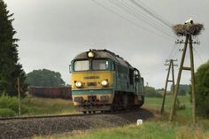 """""""Gagarin"""" ze """"stonką"""" przejeżdżają przez Poddubówek. (fot.: Damian Szarek, 2008 rok)"""