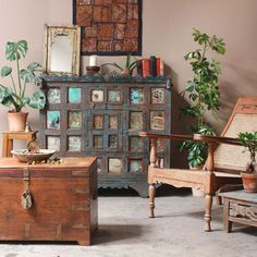 World Traveller Style With Vintage Furniture And Interiors http://www.scaramangashop.co.uk/Fashion-and-Furniture-Blog/world-traveller-style-vintage-furniture-interiors/
