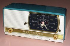 Vintage RCA Clock Radio, Model 9-C-7, Broadcast Band Only (MW), Made In USA, 5 Tubes, Circa 1957.