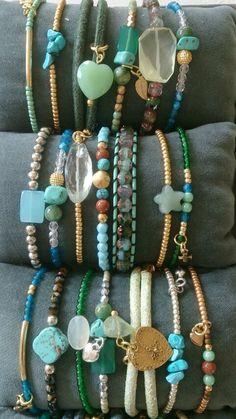 Bracciali di tutti i tipi in pietra dura e charms o pendentini
