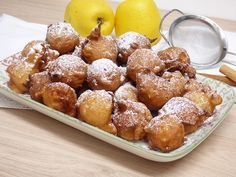 Very easy apple fritters – Mis cosillas de Cocina – Typical Miracle Argentina Food, Caramel Dip, Pistachio Cake, Cocktail Desserts, Apple Fritters, Pan Dulce, Cake Decorating Tips, Sweet Treats, Dessert Recipes