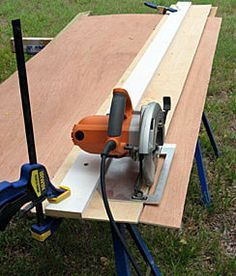 Woodworking Jigs How To Make a Long Circular Saw Guide: A circular saw guide ready for use. - If you own a circular saw, you can make accurate, safe cuts on boards and plywood with this inexpensive saw guide that anyone can make. Learn Woodworking, Woodworking Techniques, Woodworking Furniture, Woodworking Plans, Woodworking Projects, Sketchup Woodworking, Woodworking Supplies, Circular Saw Jig, Best Circular Saw