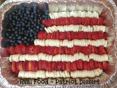 31 Days of Gluten Free Meals: Real Food Fruit Flag ~ perfect for Memorial Day or 4th of July | 5DollarDinners.com