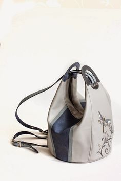 """Made by Arina Rasputina: Bag-backpack """"Dragonfly"""" Leather Bags Handmade, Handmade Bags, Bucket Bag, Fox Bag, Diy Bags Purses, Craft Bags, Bag Patterns To Sew, Fabric Bags, Quilted Bag"""