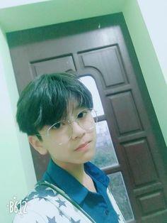 Fb: Hàn Trung Đạt Flower Boys, Chinese Boy, Ulzzang Boy, Mystic Messenger, Asian Boys, Hot Boys, Cute Guys, Boy Or Girl, Deadpool Costume