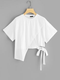 To find out about the Asymmetrical Knot Solid Tee at SHEIN, part of our latest T-Shirts ready to shop online today! Girls Fashion Clothes, Teen Fashion Outfits, Mode Outfits, Girl Outfits, Fashion Dresses, Punk Fashion, Lolita Fashion, Skirt Fashion, Summer Outfits