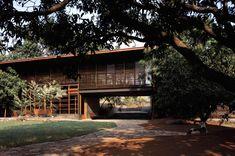 Casa en Belavali / Studio Mumbai,© Helene Binet