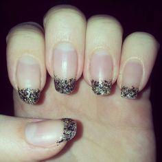 simple nail art, glitter tips