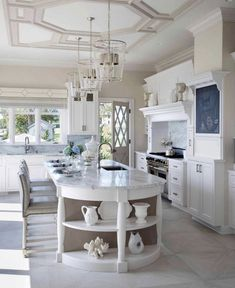 I've seen a lot of #kitchenislands but this one is unique. I love how they rounded the end of the island and created open shelving below for display. Functional and beautiful 😍 . Photo: @the.well.dressed.home #Kitchen #KithchenDesign #KitchenIsland #WhiteKitchen #KitchenIslandDesign #Cabinetry #InteriorDesign #KitchenIslandDisplay #OpenShelvinginKitchen Open Kitchen, Kitchen Living, Kitchen Island, All White Kitchen, Hill Interiors, Kitchen Benches, Kitchen Remodel, Interior Design, Table