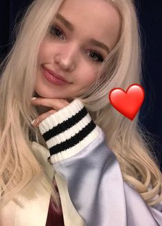 light grey works with your soul! Millie Bobby Brown, Dove And Thomas, Les Descendants, Dove Cameron Style, Disney Actresses, Hairspray Live, Cameron Boyce, Sabrina Carpenter, Celebrity Crush