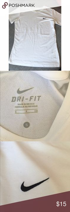 Nike Dri Fit Tshirt Gently used condition Nike Tops Tees - Short Sleeve