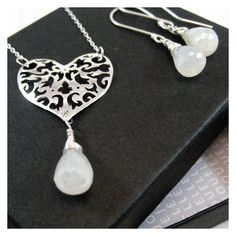 Beautiful handmade jewellery designed to wear and love by JouelleJewellery Valentine Heart, Dog Tag Necklace, Necklaces, Trending Outfits, Pendant, Unique Jewelry, Handmade Gifts, Silver, Image