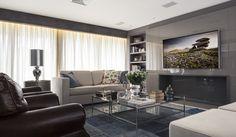 Em clima contemporâneo. Veja: http://www.casadevalentina.com.br/projetos/detalhes/em-clima-contemporaneo-647 #decor #decoracao #interior #design #casa #home #house #idea #ideia #detalhes #details #style #estilo #casadevalentina #livingroom #saladeestar