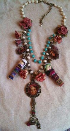 Collar Frida diseñado por deseos divinos#Guadalajara