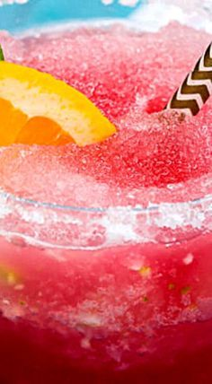 Frozen Sangria Margarita - This boozy slush combines your two favorite cocktails into one. ❊