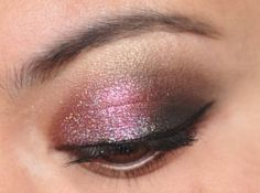 288/365 Days of Makeup - pink glittery smoky eyeshadow.
