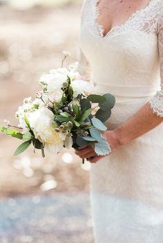 Jackie Wonders Photography #bridalbouquet #bridaldetails #wedding