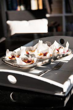 Mini mascarpone cakes with raspberries