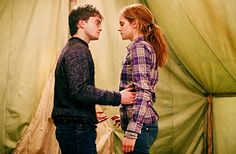 This is what I got out of this scene, and from the books. I' Keep saying that hermione is part of harry family . Hermione & ron Is Harry family Ridiculous Harry Potter, Harry Potter Love, Harry Potter World, Harmony Harry Potter, Fantasia Harry Potter, Mundo Harry Potter, Hogwarts, Daniel Radcliffe, Harry E Hermione