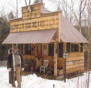 Saloon Winter