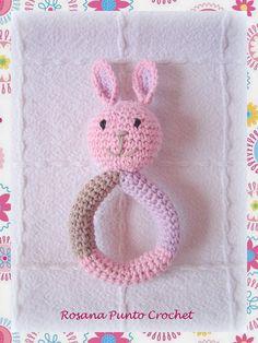 Sonajero conejo para Ema.