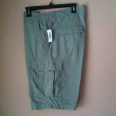 Mens cargo shorts 100% Cotton has front and back pockets as well as side pockets! Old Navy Shorts Cargos
