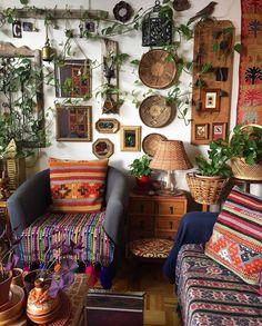 Boho Style Room Decor - Bohemian decor for hippie people, boho interior - Living Room Decor, Bedroom Decor, Decor Room, Hippie Living Room, Bohemian Living Rooms, Wall Decor, Entryway Decor, Hippie Home Decor, Bohemian Decor