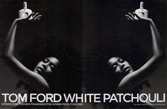 Tom Ford White Patchouli - Mistura de flores brancas, patchouli, peônia, bergamota, jasmim, rosa, coentro e sementes ambrette. Elegante, discreto e delicioso.