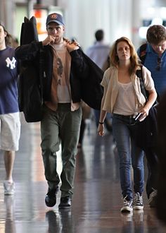 Kristen Stewart & Robert Pattinson.