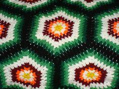"""Nê de Abreu e """"outras"""" Artes!!! Um cantinho para relaxar e refletir!: Manta em Crochê com sobras de lã"""