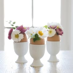 barefootstyling.com #DIY #egg #vase | Dille & Kamille Pure Simple, About Easter, Egg Shells, Easter Bunny, Spring Time, Diys, Vase, Pure Products, Inspiration
