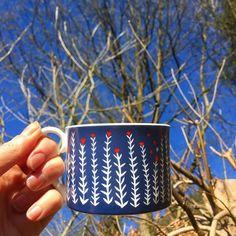 Hello blue sky! Folk Life Plants Cup ❤️ #theprintedpeanut #louiselockhart #cup #ceramics #garden #bluesky #home #coffee #morning #spring #sky