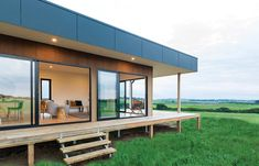 Prefab performers: 16 of the top rating modular and prefabricated homes in Sanct. - Prefab Homes Small Modular Homes, Modular Home Designs, Prefab Modular Homes, Prefabricated Houses, Small Prefab Homes, Prefab Homes Australia, Prefab Homes Canada, Architectural Styles, Prefab Buildings