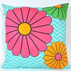 Cores na Decoração, alegram o astral da casa. Almofadas são um jeito fácil de decorar usando cores vibrantes e alegres! Confira nossos modelos no site: www.popartdesign.com.br www.popartdesign.com.br #homeandcandle #homeandgarden #design #homedecor #inspire #comfort #athome #decorate